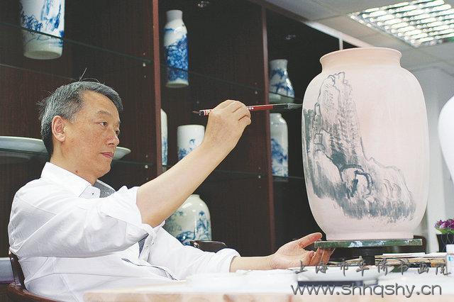 海派书画与千年古瓷的对话 - 记著名海派书画家朱鹏高先生探索瓷艺创作之路